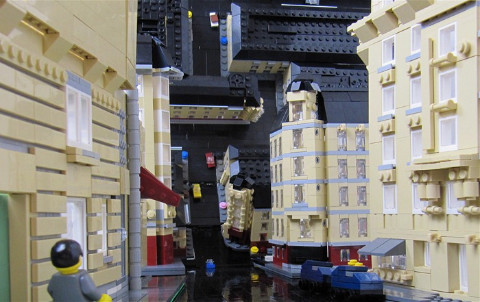 inception-lego-bent-city