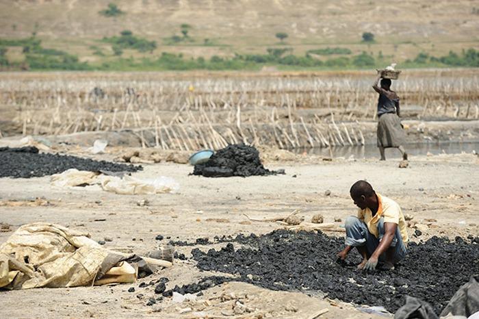 uganda-salt-miners (7)