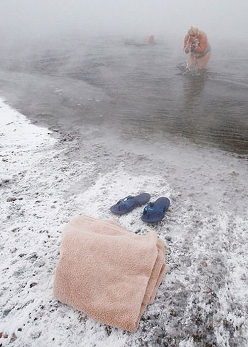 winter_swimming_in_siberia_09