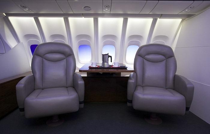 boeing-747-8-16