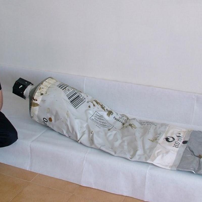 Romulo Celdran's Oversized Sculptures