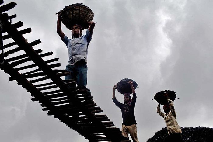 India-Child-Coal.07