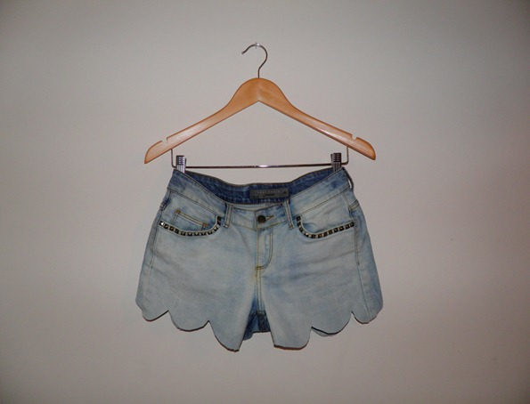 SCALLOP TOPSHOPESQUE SHORTS 1