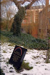 Caroline Stuttle Memorial