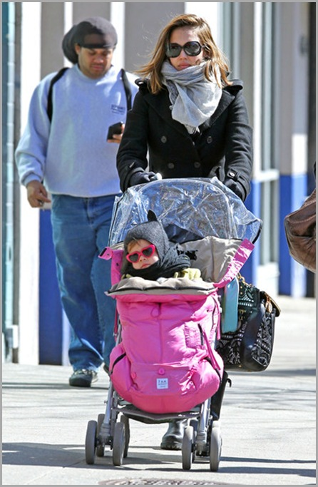 Jessica Alba Jessica Alba Daughter Honor Out 14