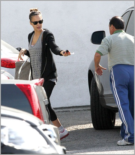Jessica Alba Pregnant Jessica Alba Arriving 3