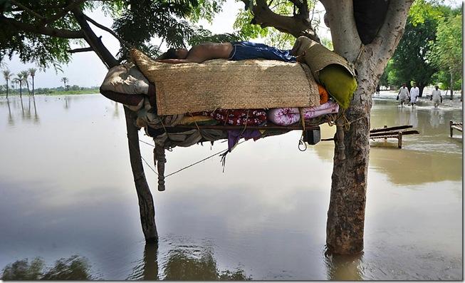 TOPSHOTS-PAKISTAN-DISASTERS-FLOOD