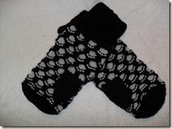 newfoundland mittens blk ad grey thumbs