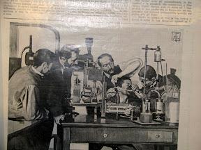 Médicos probando un sistema de anestesia.