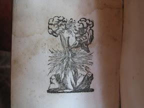 «Contraportada», es como un colofón pero sólo con la marca de impresor y no figura la fecha de finalización de la impresión del libro.