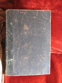 Tapa anterior con las puntas reforzadas.