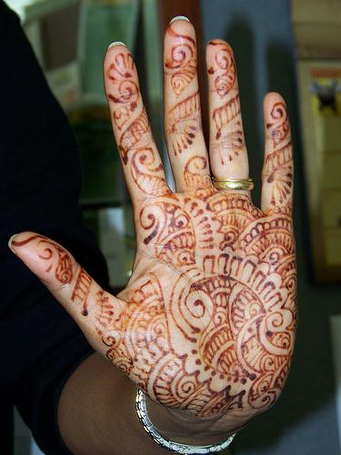 Henna Tattoo Places : Henna hand london makedes