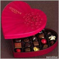 godiva-valentines-day-chocolate-gift-in-heart-shaped-box
