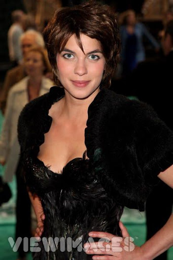 natalia tena boobs