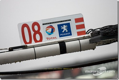 #08 Team Peugeot Total Peugeot 908 HDI FAP pit sign