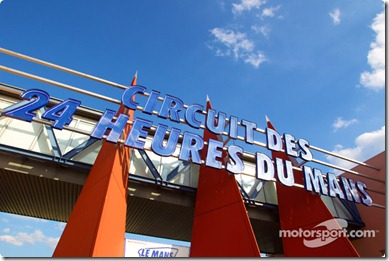 04-11.06.2010 Le Mans, France, Main entrance to the track
