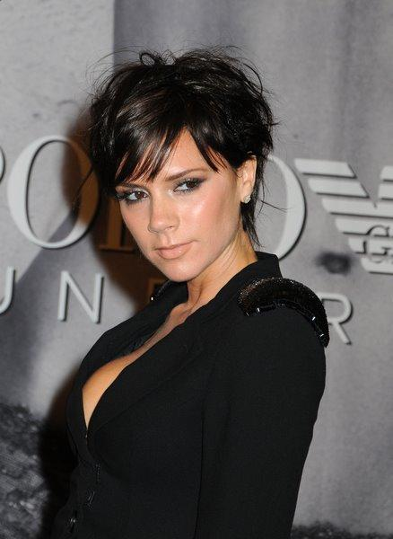 Victoria Beckham's 2010 Hairstyle -black short hairstyle for women