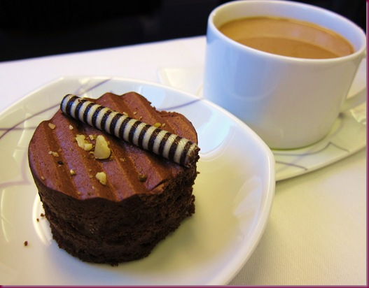 thai airways inflight meal choco truffle cake