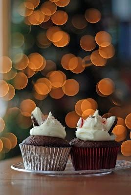 peppermint_bark_cupcakes.jpg
