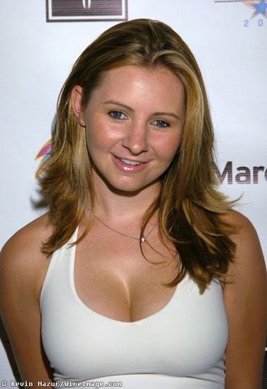 Beverley Mitchell poids stars mensurations taille celebrites photos images sexy nue nude naked bikini hot porno x playboy thong
