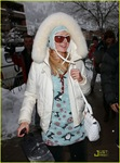 paris-hilton-aspen-christmas-55