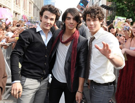 jonas-brothers-teen-vogue-45
