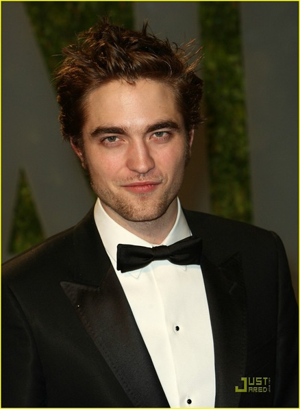 robert-pattinson-oscar-party-11