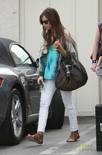 ashley-tisdale-samantha-droke-patys-01