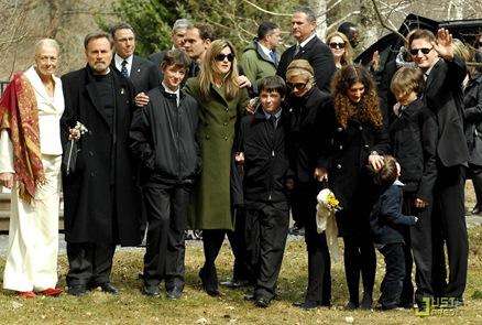 liam-neeson-natasha-richardson-funeral-07