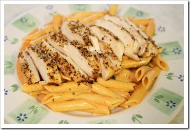 grilled-chicken-penne-pasta-tomato-cream-sauce-01