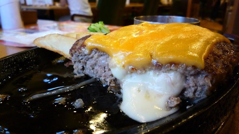 Hamburguesa en Big Boy ビッグボーイ ハンバーグ