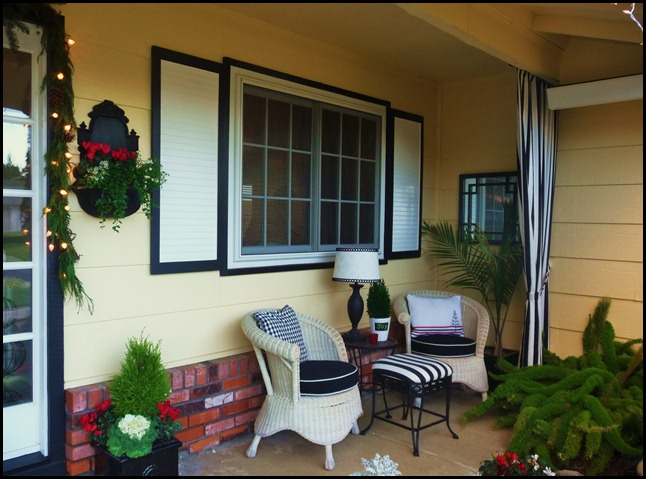 christmas porch 2010 002
