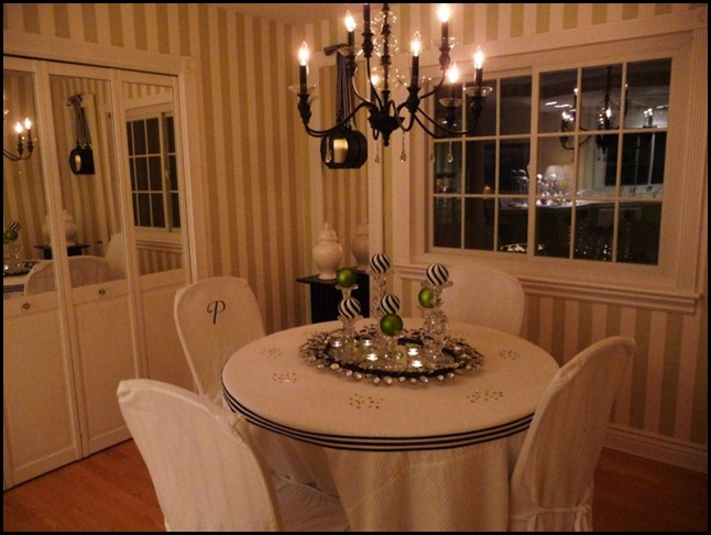 christmas dining room 2010 010 (800x600)