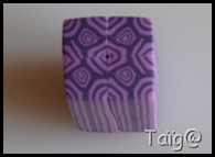 Cane tuile violets