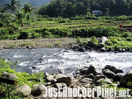 Scenery on our way to Kabigan Falls - JustAnotherPixel.net