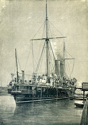 Vista de popa del HMS GIBRALTAR. Grabado de la REVISTA DE NAVEGACIÓN Y COMERCIO. AÑO 1893.jpg