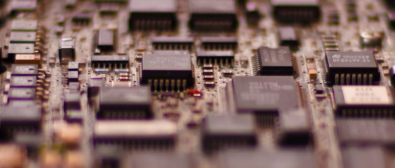 [MICROSCHIPS AUF MAXTOR SCSI FESTPLATTE AUS 1989