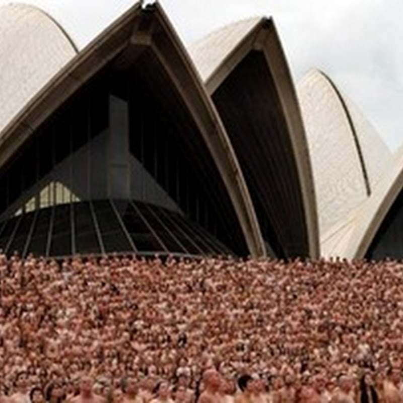 Foto Telanjang Massal di Sydney Opera House