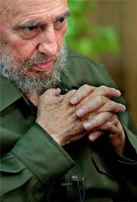 """Fidel: """"Yo creo que tenemos armas nucleares ideológicas en las manos"""""""