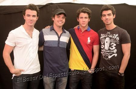 Benjamin Rojas y los Jonas Brothers_0003.png
