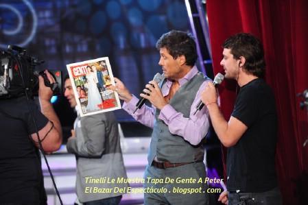Tinelli Le Muestra Tapa De Gente A Peter.jpg