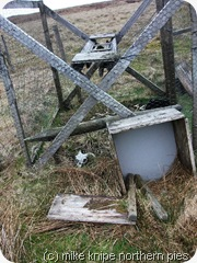 larsen trap with sheep skeleton