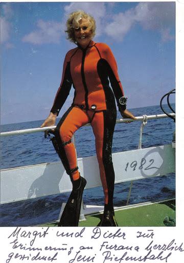 Leni Riefenstahl in the Malediven, 1982