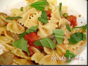Creamy Farfalle with Bacon, Tomato and Peas Krista Kooks 6