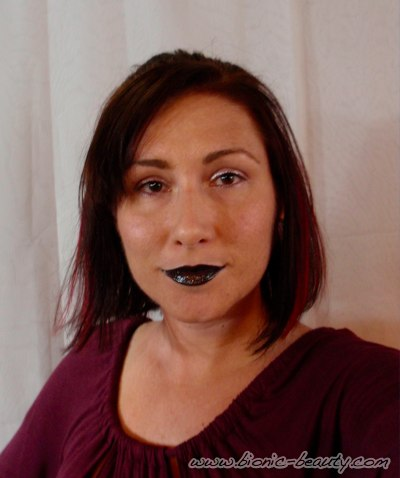 The Bionic Beauty blog provides tips, products and makeup looks for the black lip trend