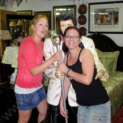 Sisters - Bionic Beauty and Joycey Couture singing with Elvis
