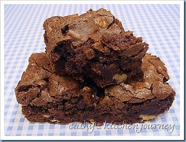 cathy's kitchen journey: Espresso Chocolate Chip Walnut Brownies
