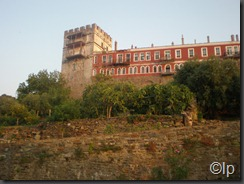 Fatada nordica a manastirii Vatoped, cea care da spre mare