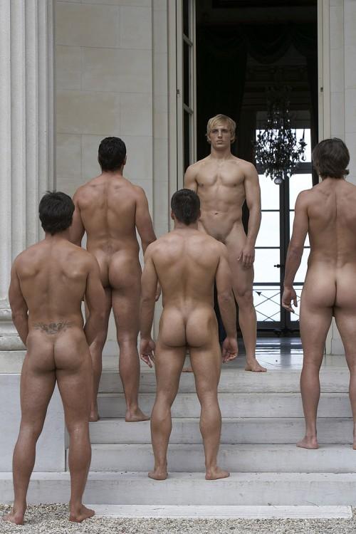 мужское голое тело видео