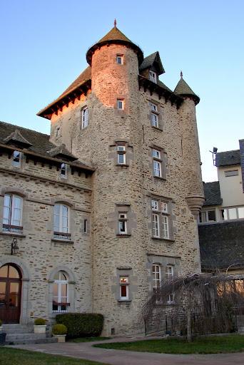 Villes et villages de charme du Cantal Montsalvy+++06